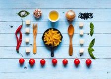Draufsicht der ganzer notwendigen Lebensmittelkomponente, zum eines Klassikers I zu machen Stockfotografie