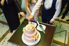 Draufsicht der Hochzeitstorte Stockbilder