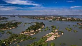 Draufsicht der Mekong-Inseldes brummens an einem sonnigen Tag stockfoto