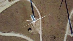 Draufsicht der modernen Windmühle stock footage
