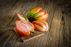Draufsicht der rohen Tomate nannte Ochsenherd Stockfoto