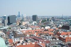 Draufsicht der Stadt mit blauem Himmel Stockfoto