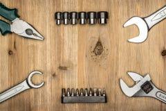 Draufsicht der unterschiedlichen Art der konstruktiven Werkzeuge mit Kopienraum Lizenzfreie Stockfotos
