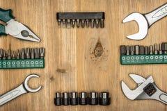 Draufsicht der unterschiedlichen Art der konstruktiven Werkzeuge mit Kopienraum Lizenzfreies Stockfoto