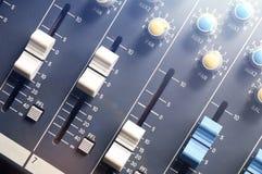 Draufsicht des Audiomischers stockfoto
