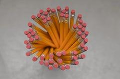 Draufsicht des Bleistift-Halters stockfotos