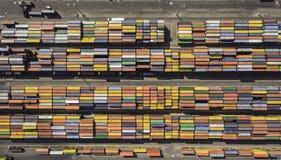 Draufsicht des Containerbahnhofs Stockfotos