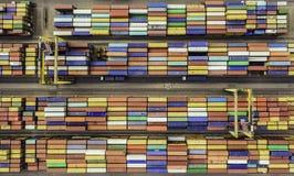 Draufsicht des Containerbahnhofs Stockbild