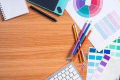 Draufsicht des Designerarbeitsschreibtisches Stockbild