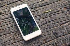 Draufsicht des gebrochenen Telefons Lizenzfreie Stockfotografie