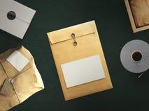 Draufsicht des leeren Weißbuchblattes mit Bürowerkzeugen Lizenzfreies Stockbild
