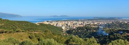 Draufsicht des Morgens über Vrore-Stadt Albanien Lizenzfreie Stockfotografie