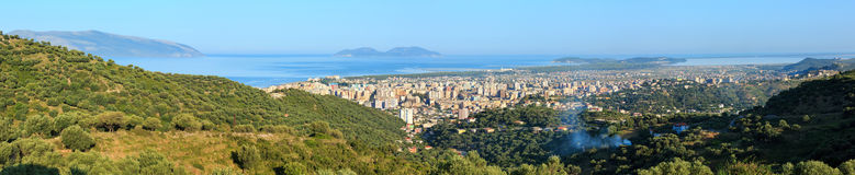 Draufsicht des Morgens über Vrore-Stadt Albanien Stockbild