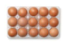 Draufsicht des Plastikeierkartons mit 15 Eiern Stockfotos