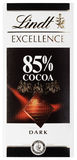 Draufsicht des Schweizer dunklen Schokoriegels des Kakaos Lindt-HERVORRAGENDER LEISTUNG 85% lokalisiert auf Weiß Stockfotos