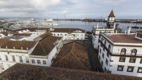 Draufsicht des Seehafens von Ponta Delgada, Azoren, Portugal Reise lizenzfreies stockbild