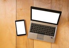 Draufsicht des Tablettengerätes und -laptops mit dem leeren Bildschirm bereit zum Spott oben Gefiltertes Bild Lizenzfreie Stockbilder