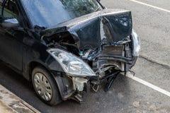 Draufsicht des vorderen Autos demoliert Stockbilder