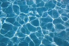 Draufsicht an einem Schwimmbad Lizenzfreie Stockfotografie