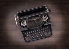 Draufsicht einer alten Schreibmaschine Stockfoto