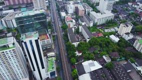 Draufsicht einer globalen Stadt Hongs Kong mit Entwicklungsgebäuden, Transport, Energieenergieinfrastruktur finanziell stock video