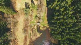 Draufsicht einer Holzbrücke beim Eutersee lizenzfreie stockfotos