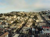 Draufsicht Eureka-Talnachbarschaft mit dem Sommer nebelig in San Fra lizenzfreie stockfotografie
