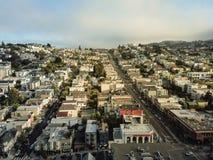 Draufsicht Eureka-Talnachbarschaft mit dem Sommer nebelig in San Fra lizenzfreies stockfoto