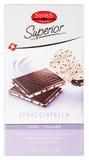 Draufsicht Schweizer Prestige des überlegenen dunklen Schokoriegels Stracciatella lokalisiert auf Weiß Stockbild