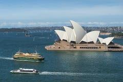 Draufsicht Sydney Opera Houses und Sydney beherbergten Stockfotografie