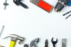 Draufsicht von Arbeitsgeräten, Schlüssel, Sockelschlüssel, Hammer, screwdrive lizenzfreie stockbilder