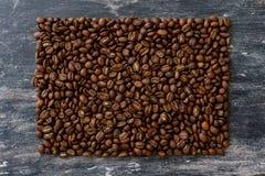 Draufsicht von Kaffeebohnen in Form von Rechteck Stockfoto
