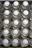 Draufsicht von Schutzimpfungsphiolen Stockbilder
