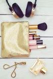 Draufsicht von weiblichen Mode-Accessoires Foto mit instagram Stockfoto