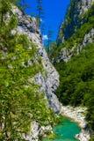 Draufsicht zum Gebirgsfluss Tara, Montenegro, Europa Lizenzfreie Stockfotografie