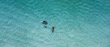 Draufsichtschwimmenvölker an einem sonnigen Tag Stockbild