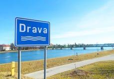 Drava lub rzeki signage w Ptuj, Slovenia Zdjęcia Royalty Free