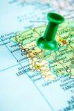 Draw-pin ραβδί στον πραγματικό χάρτη, που ταξιδεύει στην Πορτογαλία στοκ φωτογραφίες με δικαίωμα ελεύθερης χρήσης