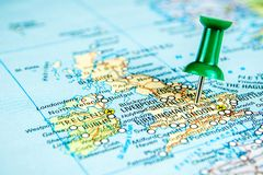 Draw-pin ραβδί στον πραγματικό χάρτη, που ταξιδεύει στη Μεγάλη Βρετανία στοκ φωτογραφία με δικαίωμα ελεύθερης χρήσης