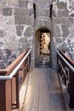 Drawbridge на входе к старому замку стоковая фотография rf