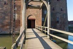 Drawbrigde alla fortificazione di Loevestijn nei Paesi Bassi fotografia stock libera da diritti