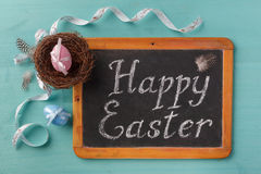Drücken Sie glückliche Esther auf der Tafel und dem Feiertagsdekor aus Lizenzfreie Stockfotos