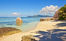 Dream seascape view. With a big stones and palmtree, Seychelles, La Digue island Royalty Free Stock Photos