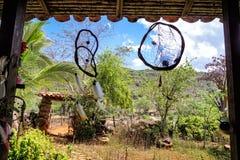 Dreamcatcher cuelga en una casa campesina en Guane, Santander foto de archivo libre de regalías