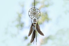 Dreamcatcher in der Natur stockfotos