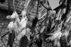 Dreamcatcher som är till salu i manchester fjäderrad Arkivfoto