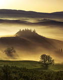 Dreamlike dawn on misty hills Royalty Free Stock Photos