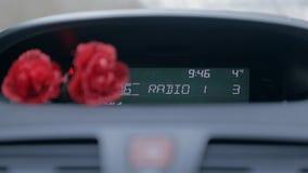 Drehen herauf das Radiovolumen