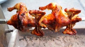 Drehen Sie gebratene Hühner Stockfotografie