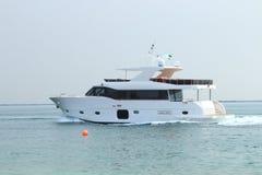 Drehen Sie Yacht durch Lizenzfreie Stockfotografie